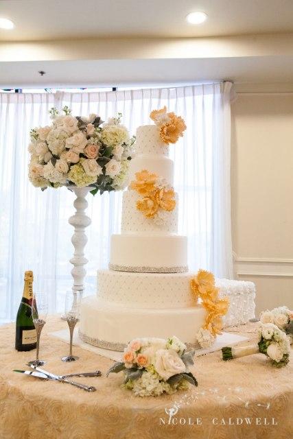 brandview-ballroom-glendale-wedding-by-nicole-caldwell01