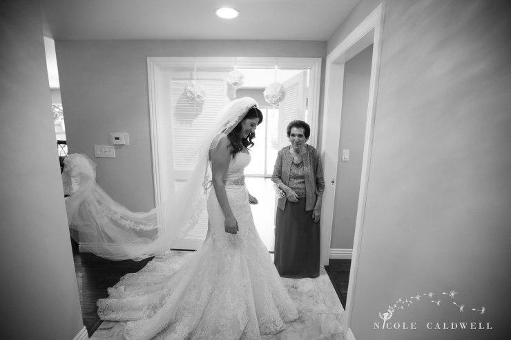 getting-ready-wedding-photos-by-nicole-caldwell-02