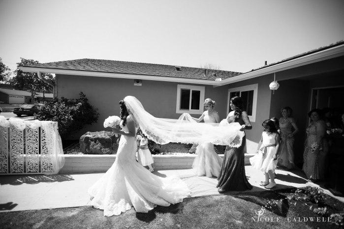getting-ready-wedding-photos-by-nicole-caldwell-03