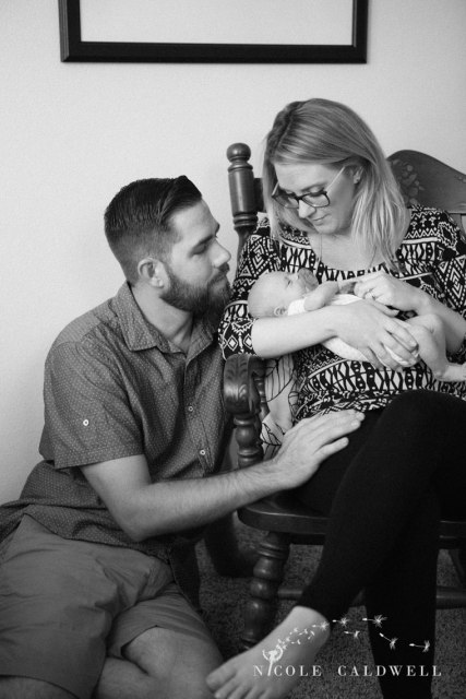 in-home-newborn-photography-by-Nicole-Caldwell-09