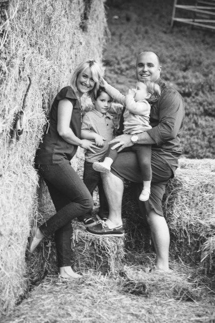 121nicole-caldwell-photo-family-location-horses