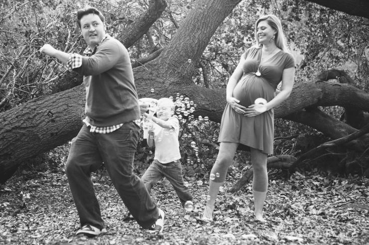 maternity photos in the park by oc photographer nicole caldwell 03