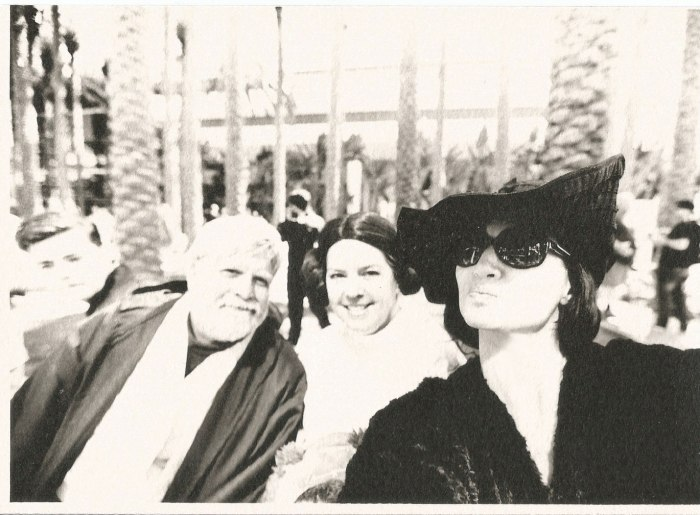 marla singer tourist selfies star wars family cosplay
