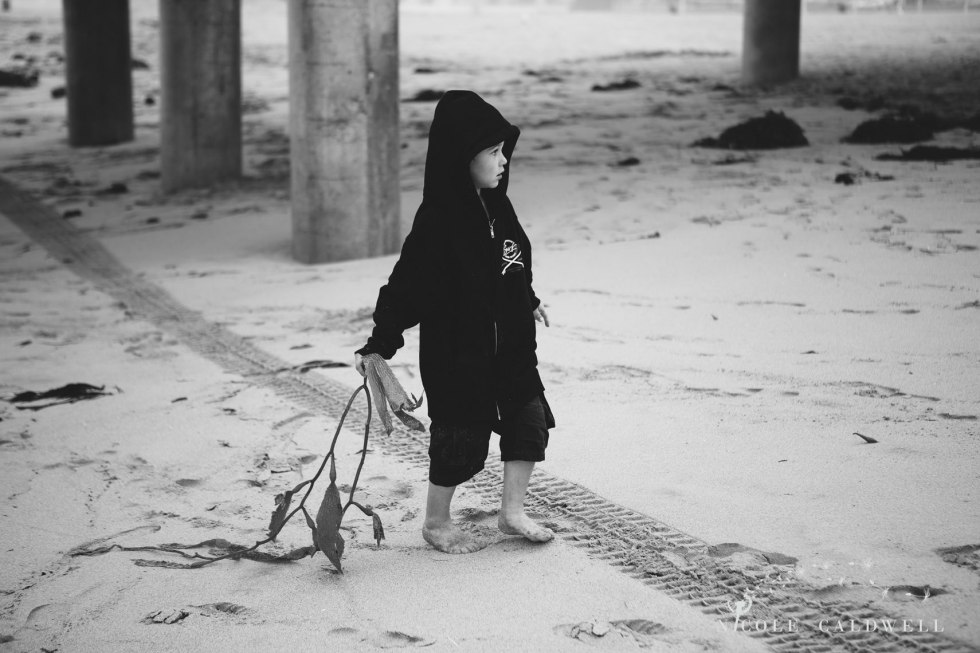 Huntinton_beach_pier_locations_for_family_photographs_nicole_caldwell_studio26