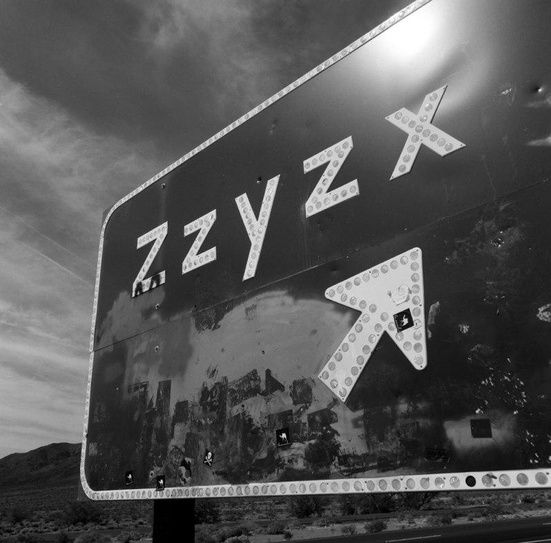 zzyzxRoad-photos-nicole-caldwell-hasselblad-film-photography02