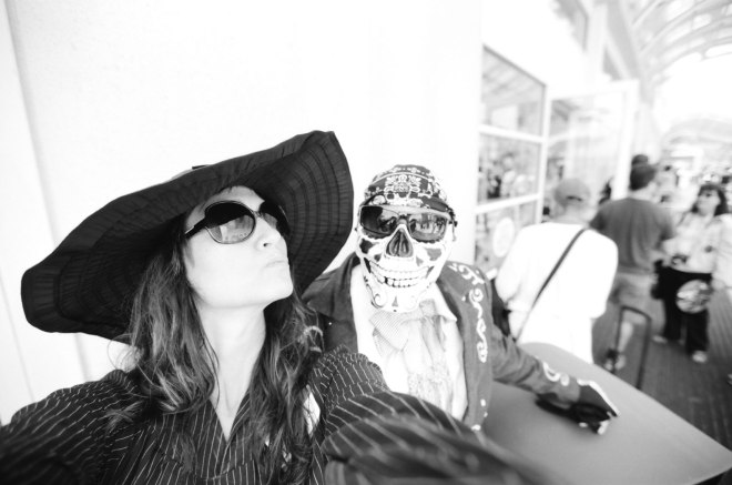 comic-con-marla-singer-selfies-fight-club-03