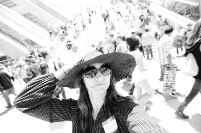 comic-con-marla-singer-selfies-fight-club-05