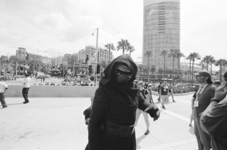 comic-con-san-diego-black-and-white-film-photographs-Nicole-Caldwell-07