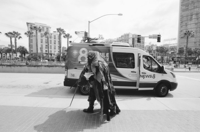 comic-con-san-diego-black-and-white-film-photographs-Nicole-Caldwell-16
