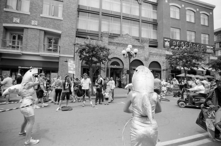 comic-con-san-diego-black-and-white-film-photographs-Nicole-Caldwell-20