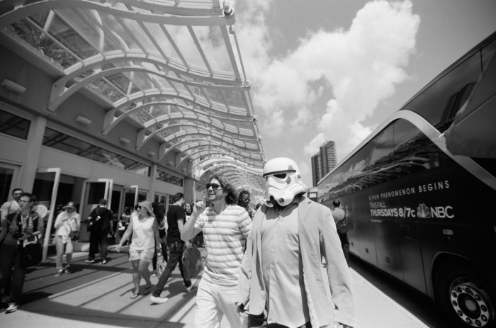 comic-con-san-diego-black-and-white-film-photographs-Nicole-Caldwell-49