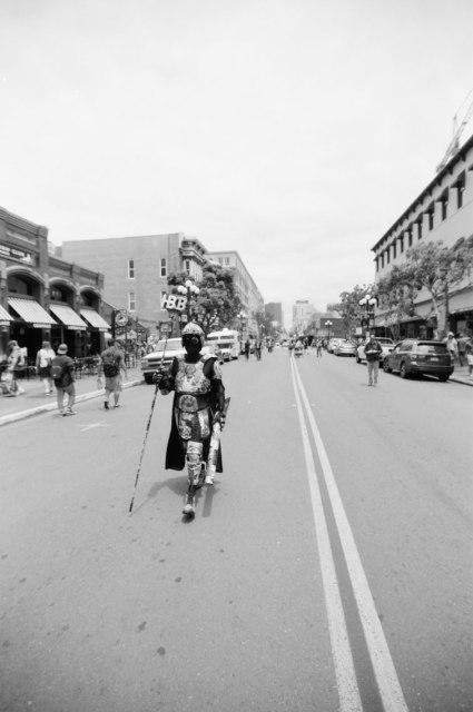 comic-con-san-diego-black-and-white-film-photographs-Nicole-Caldwell-a05