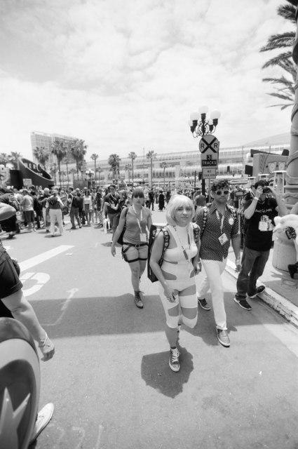 comic-con-san-diego-black-and-white-film-photographs-Nicole-Caldwell-a08
