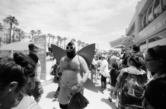 comic-con-san-diego-black-and-white-film-photographs-Nicole-Caldwell-a11