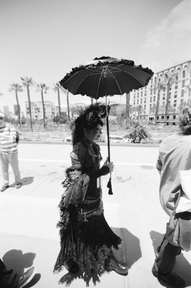 comic-con-san-diego-black-and-white-film-photographs-Nicole-Caldwell-a16