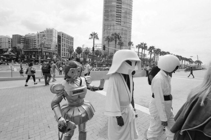 comic-con-san-diego-black-and-white-film-photographs-Nicole-Caldwell-a17