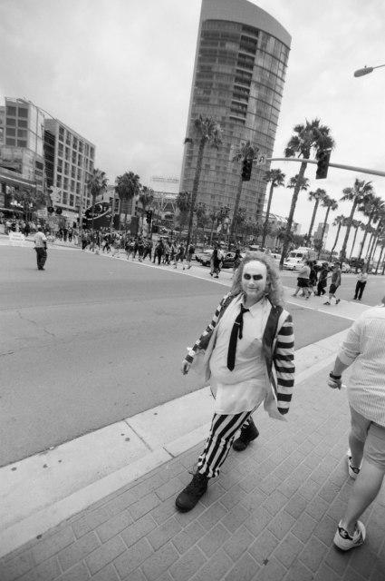 comic-con-san-diego-black-and-white-film-photographs-Nicole-Caldwell-a26