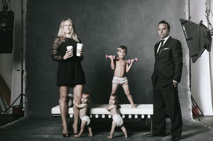 family-photographs-in-the-studio-classic-collection-nicole-caldwell