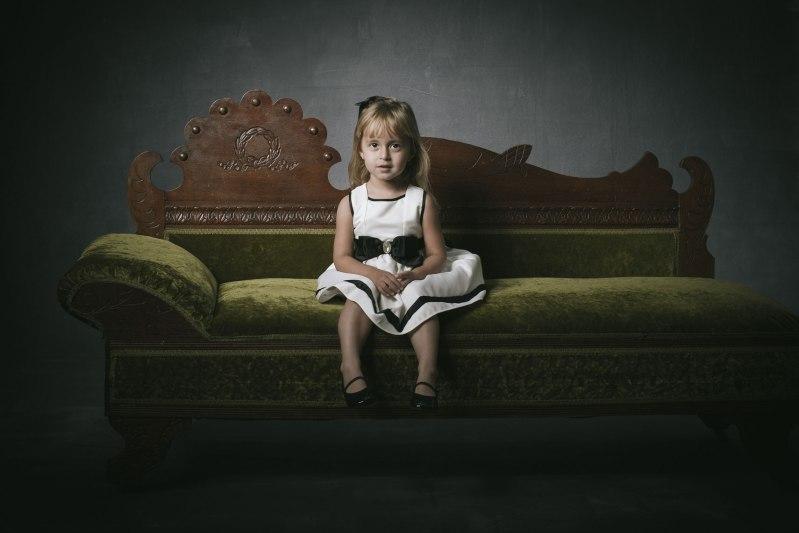 photography-studio-formal-famliy-photographs-nicole-caldwell-03