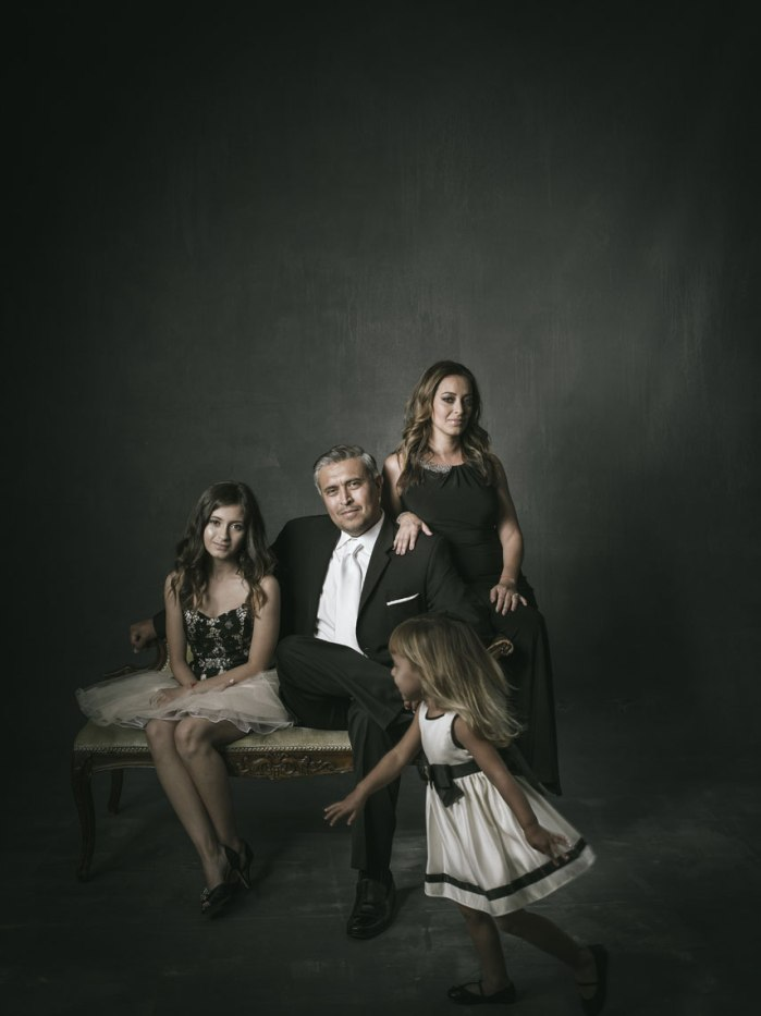 photography-studio-formal-famliy-photographs-nicole-caldwell-09