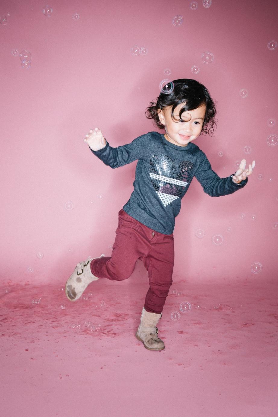 kids in bubbles photography studio nicole caldwell 10
