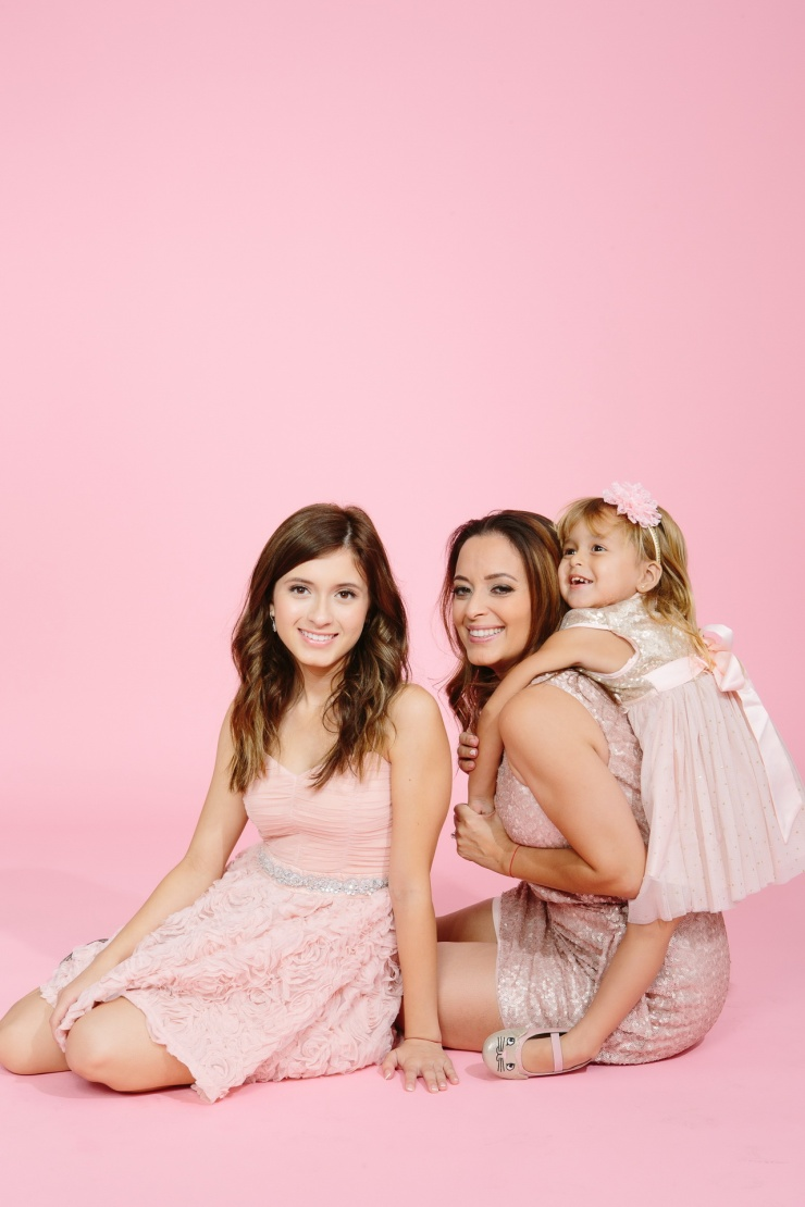 mother daughter portraits photography studio pink backdrop 10