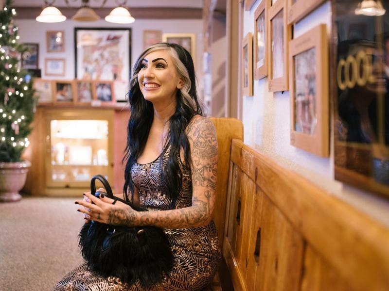 las vegas elopment photographer nicole caldwell viva las vegas weddings dracula 03
