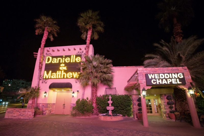 las vegas elopment photographer nicole caldwell viva las vegas weddings dracula 17