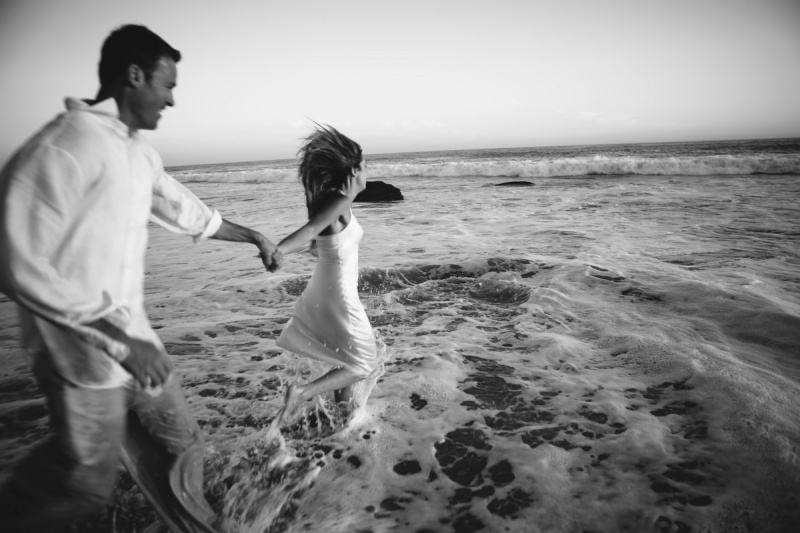 trash the dress 10 year anniversarty shoot laguna beach crystal cove state beach by nicole caldwell 04