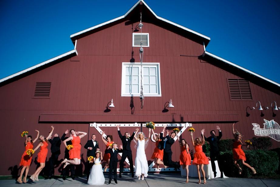 weddings-at-strawberry-farms-barn-nicole-caldwell-photo-02