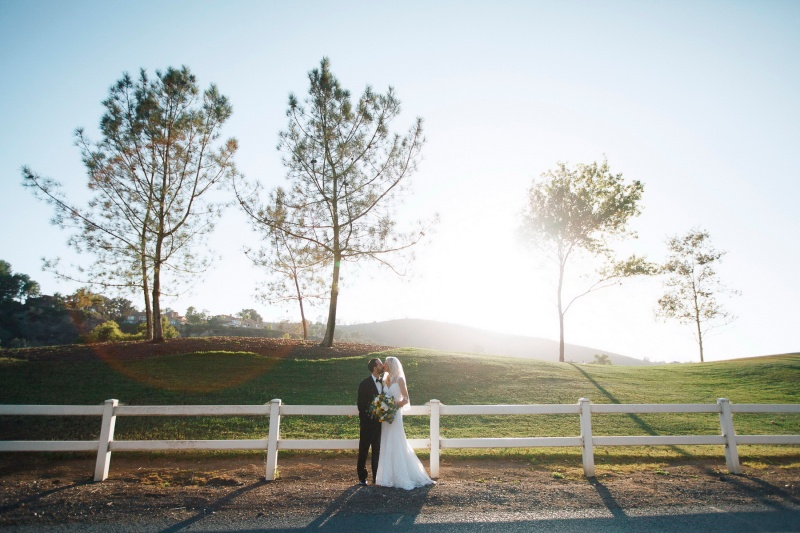 weddings-at-strawberry-farms-barn-nicole-caldwell-photo-03